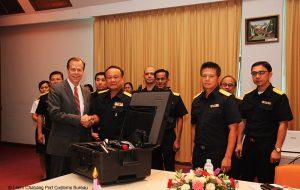 เอกอัครราชทูตสหรัฐอเมริกาประจำประเทศไทยและคณะ เยี่ยมชมโครงการ MI, CSI ณ สทบ. 02.12.2015